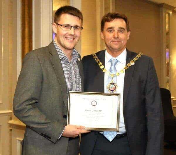 PRESENTATION TO MP AT SCOTTISH SECTION LUNCHEON