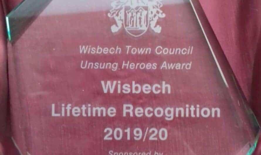 Donald Gray receives Unsung Heroes Award
